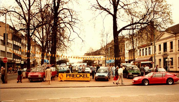 Ausstellung auf Marktplatz mit Preckel in Krefeld