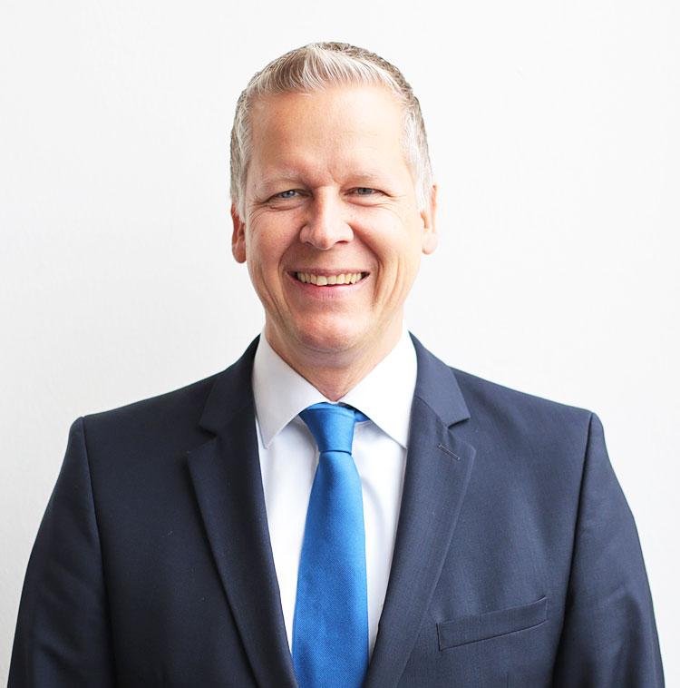 Martin Kötter, Verkauf Renault Transporter
