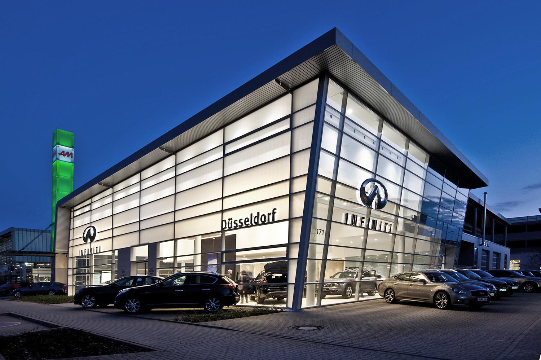 Infiniti Zentrum Düsseldorf vom Autozentrum P&A