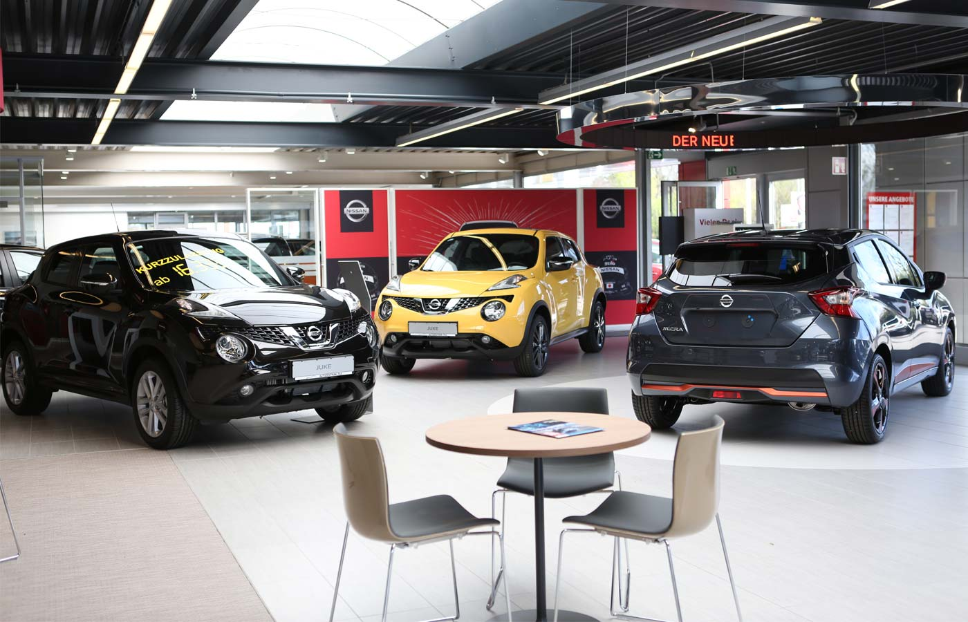 Nissan Showroom 2017 von P&A