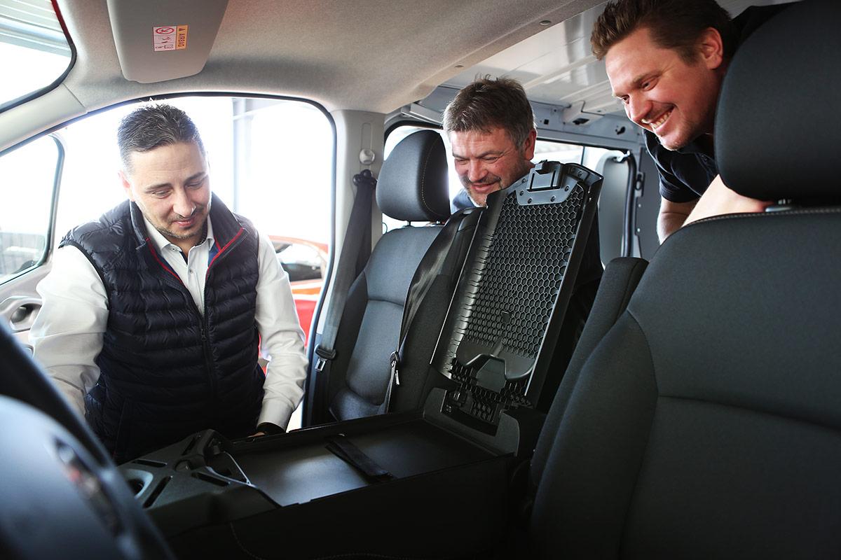 Mobiles Büro im Nutzfahrzeug