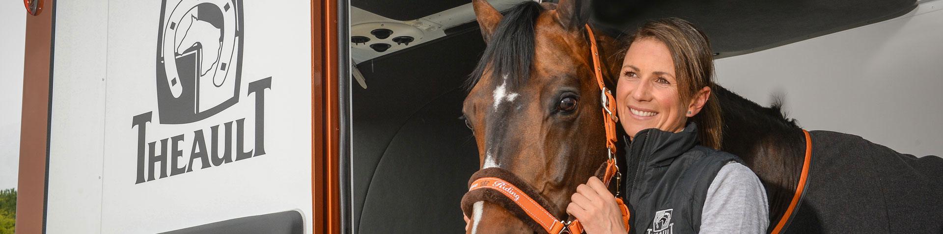 Theault Pferdetransporter von P&A