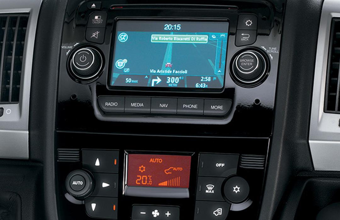 Fiat-Professinal-Doblo-Cargo-Galerie-UconnectTM Radio-Navigation-Bluetooth®-USB