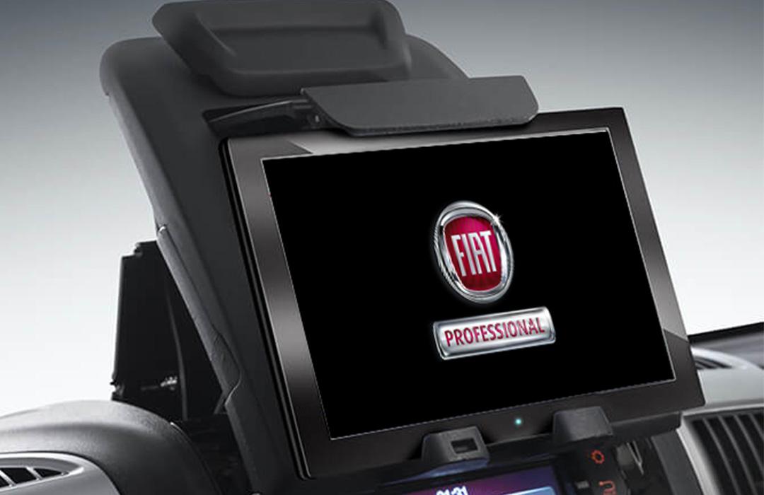 Fiat-Professinal-Ducato-Galerie-Tablet-und-Smartphone-Halter