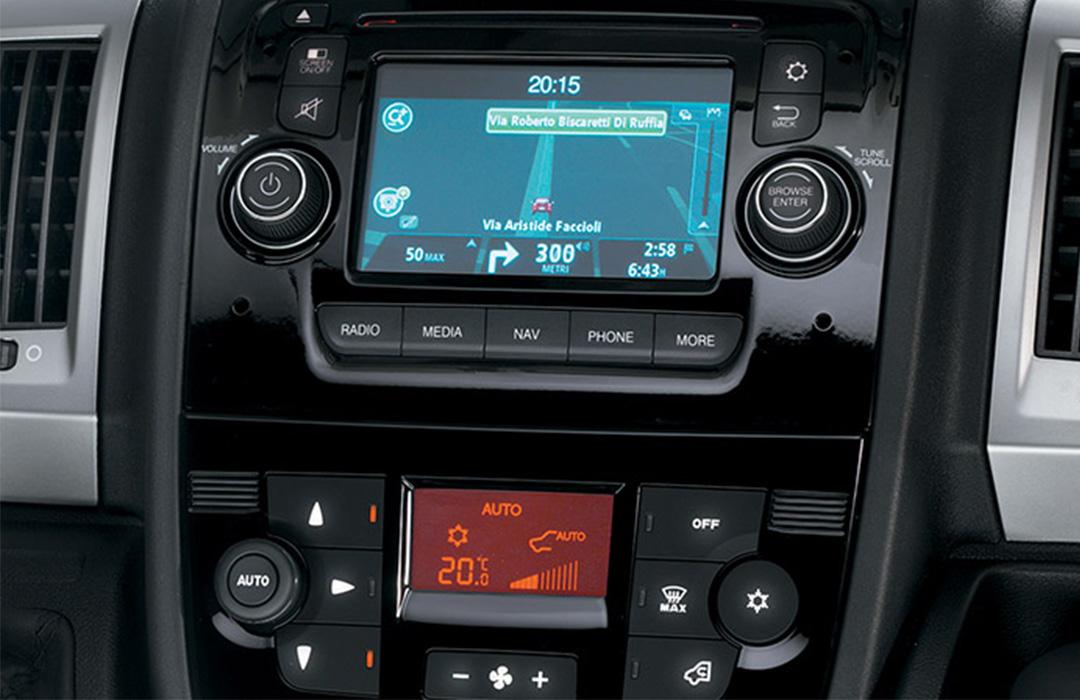 Fiat-Professinal-Ducato-Galerie-Uconnect-Radio.jpg