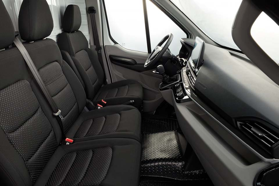 Maxus Deliver 9 mit 3 komfortabelen Sitzen