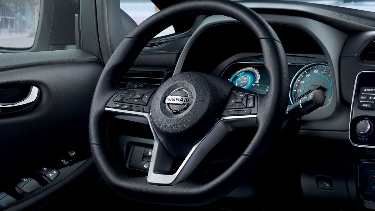 Nissan Leaf D-förmiges Lenkrad