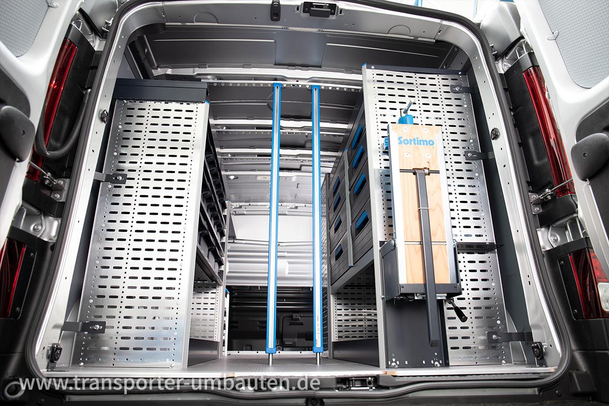 Transporter mit Sortimo Ausbau vom Autozentrum P&A-Preckel